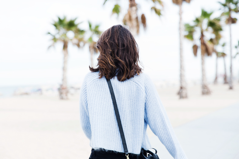 Black_Jeans-Knit_Jumper-Light_Blue-Street_Style-Outfits-39