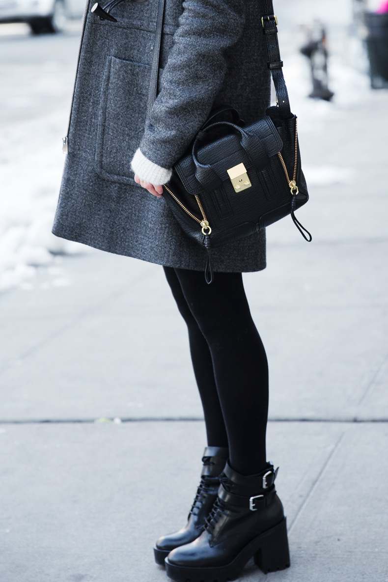 Sequins_Skirt-Duffle_Coat-Boots-New_York_Fashion_Week-Street_Style-NYFW-Outfit-11