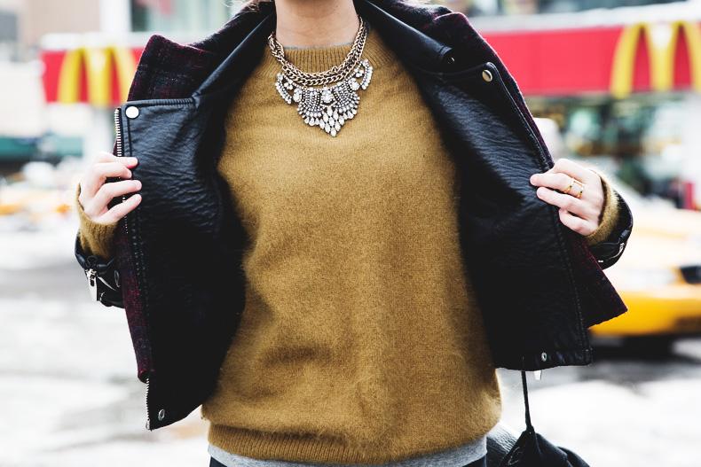 Neoprene_Jacket-GReen_Jumper-Outfit-NYFW-Street_Style-25