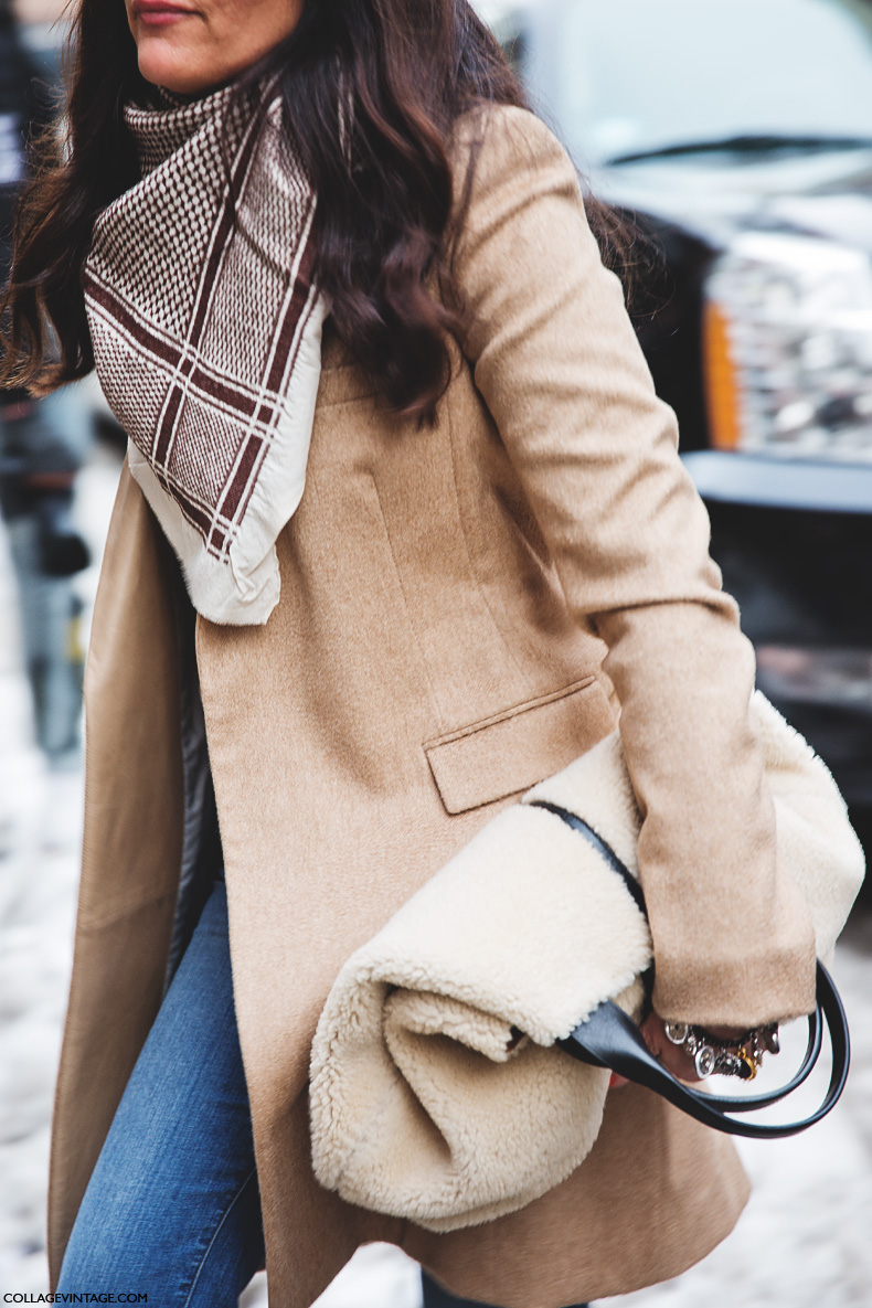 New_York_Fashion_Week-Street_Style-Fall_Winter-2015-Shearling_Bag-Camel-Scarf-