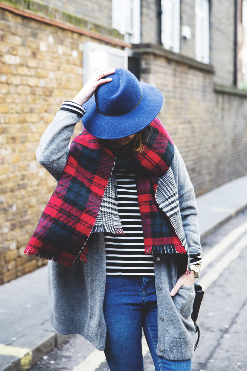 Mixing_Prints-London-LFW-Jeans-Hat-Chained_boots-Street_Style-Outfit-20