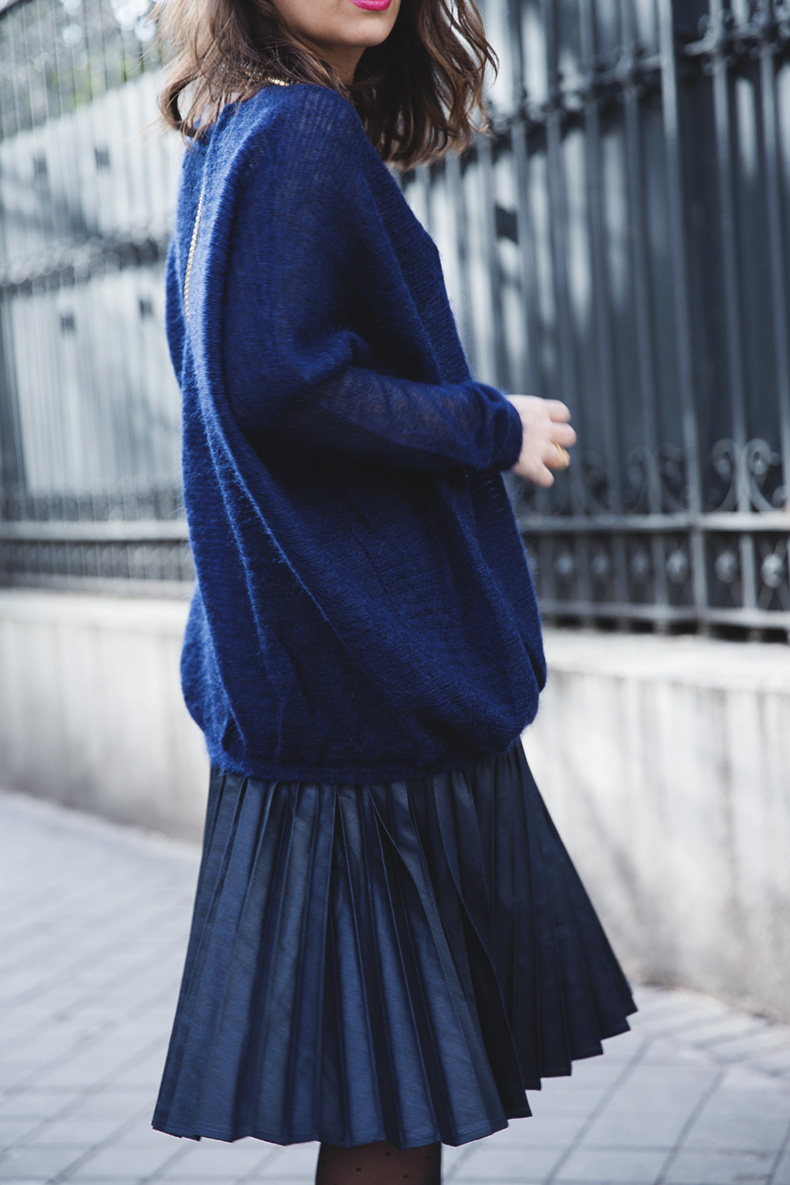 Midi_Skirt-Blue_Black_Mix-Titamad-Street_Style-outfit-27