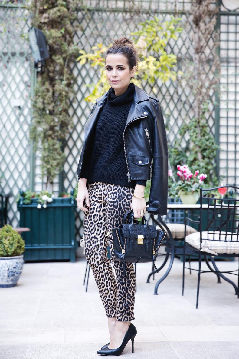 Leopard_Trousers-Biker_Jacket-Black-Mango-Street_Style-Outfit-6