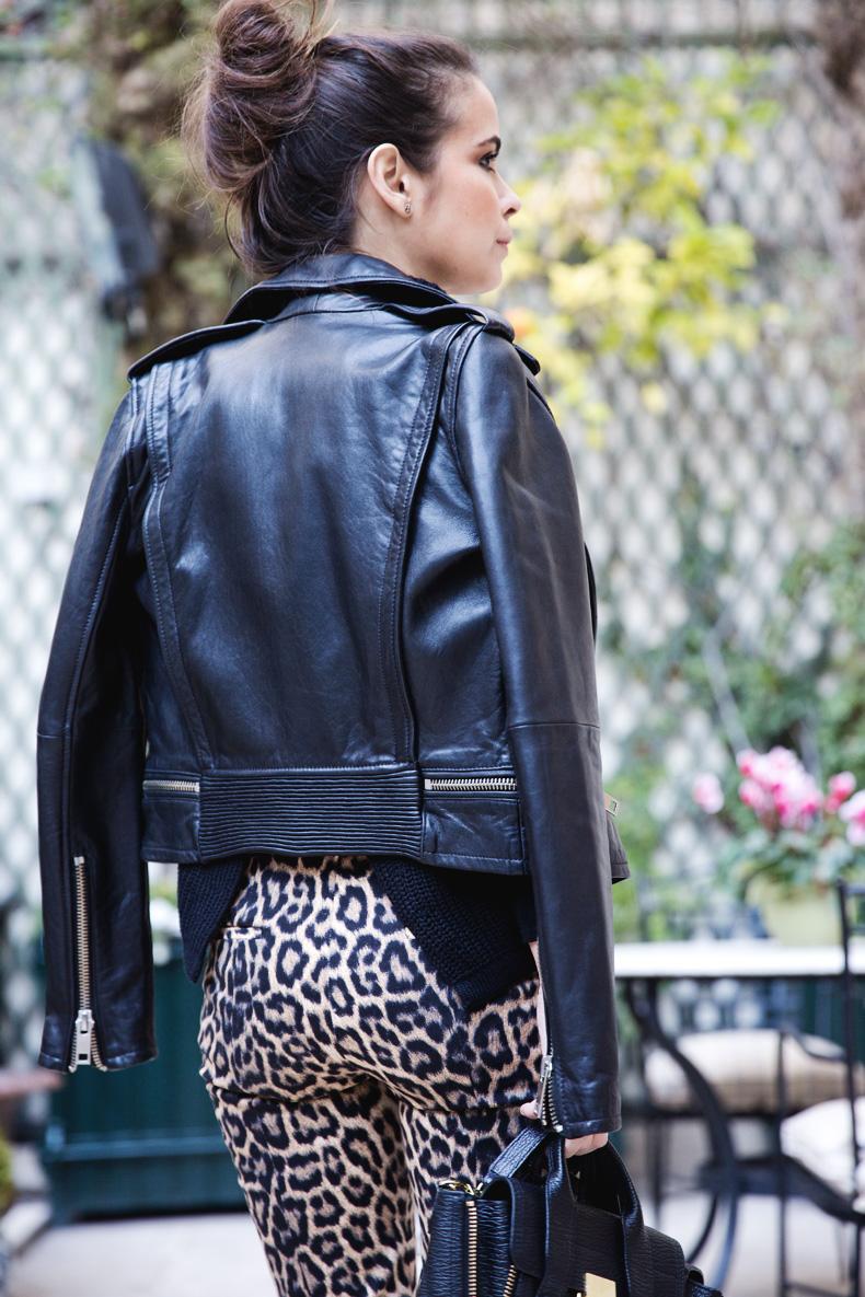 Leopard_Trousers-Biker_Jacket-Black-Mango-Street_Style-Outfit-13