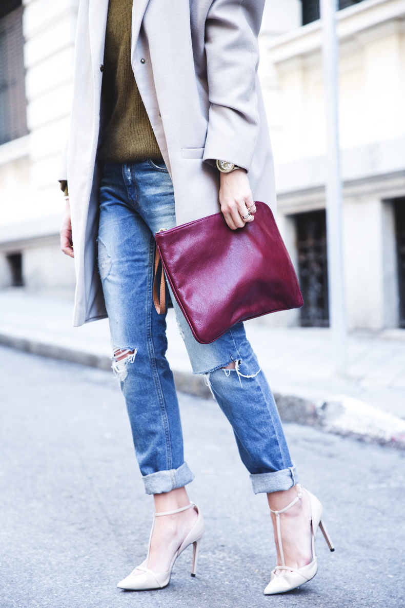 Pearls_Necklace-Ripped_Jeans-Olive_Clothing-Street_Style-Outfit-20