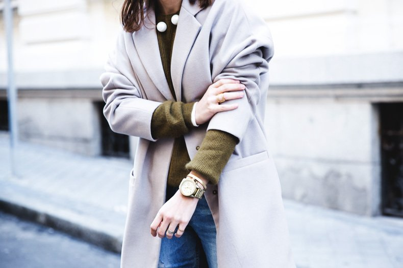 Pearls_Necklace-Ripped_Jeans-Olive_Clothing-Street_Style-Outfit-32