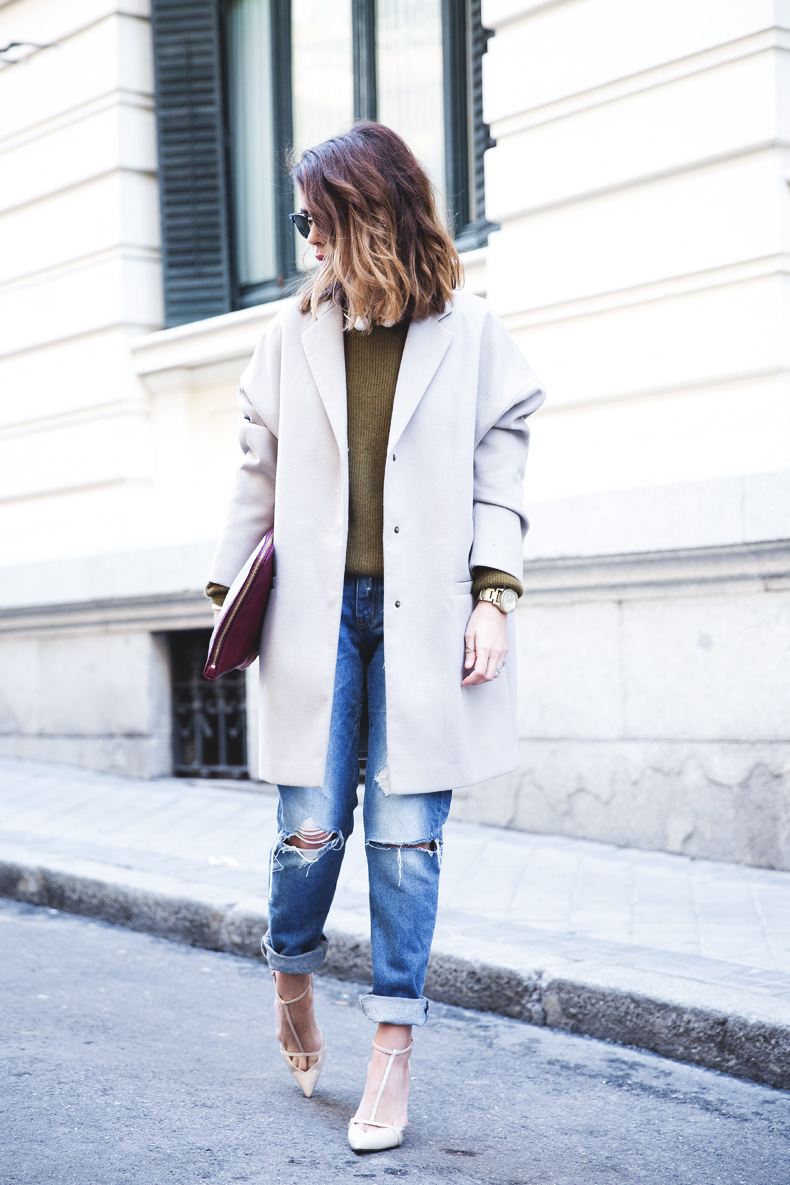 Pearls_Necklace-Ripped_Jeans-Olive_Clothing-Street_Style-Outfit-12