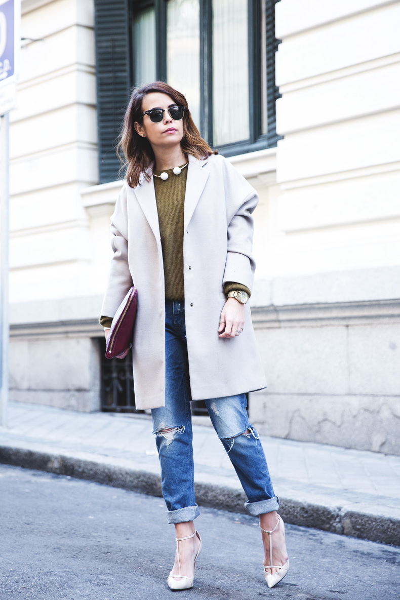 Pearls_Necklace-Ripped_Jeans-Olive_Clothing-Street_Style-Outfit-11
