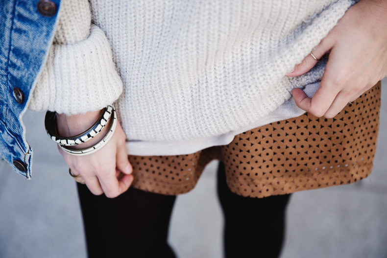 Layering-Suede_Skirt-Levis_Vintage-Wedges-Outfit-Street_Style-11