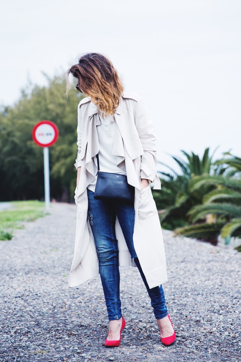 Trench-Ripped_Jeans-Red_Shoes-Celine_trio_Bag-street_Style-outfit-17
