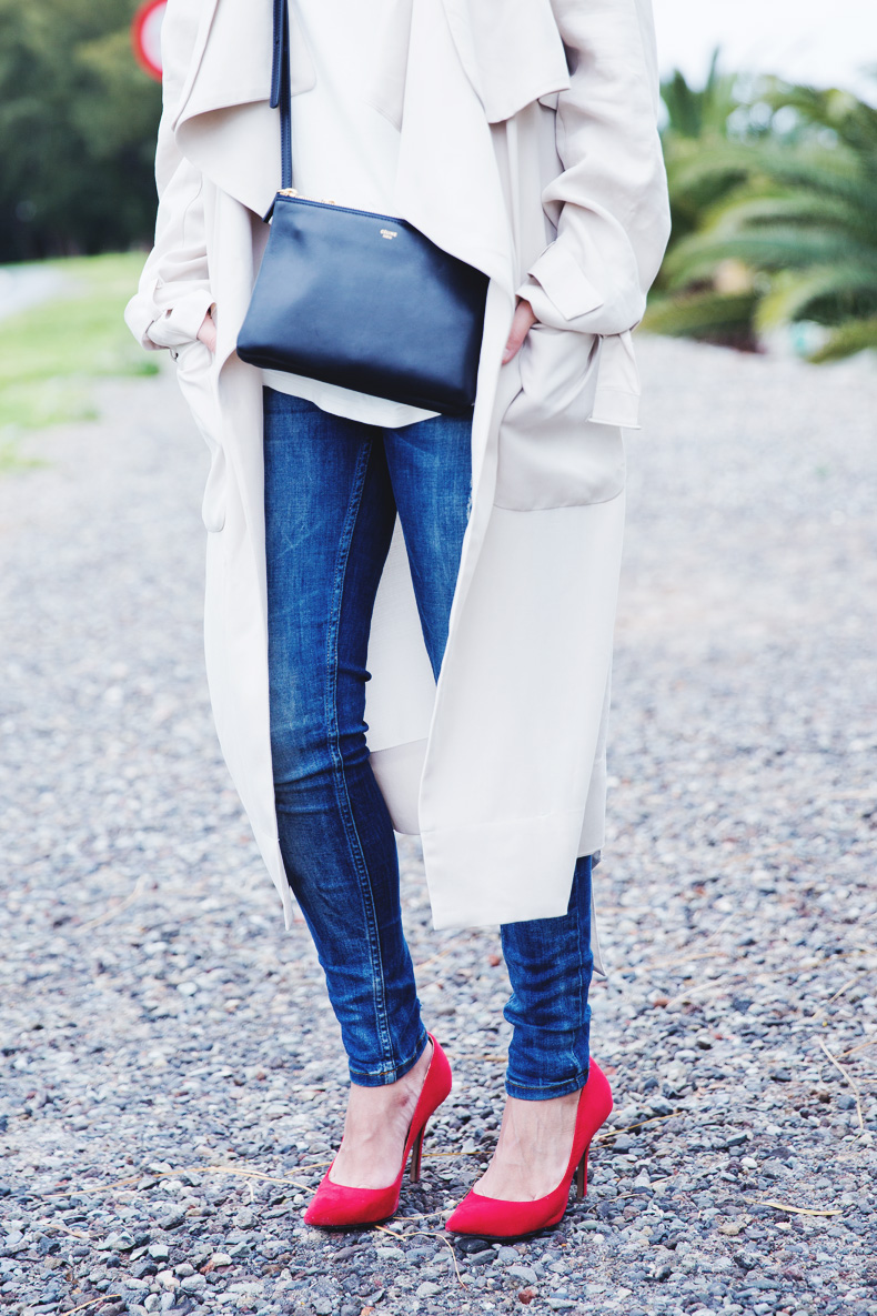 Trench-Ripped_Jeans-Red_Shoes-Celine_trio_Bag-street_Style-outfit-23