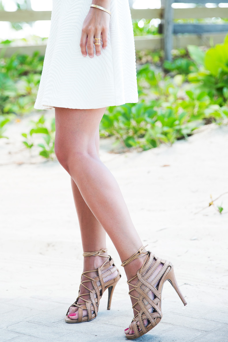 White_Dress-Lace_Up_Sandals-Scarf-Turbant-Outfit-Street_Style-6