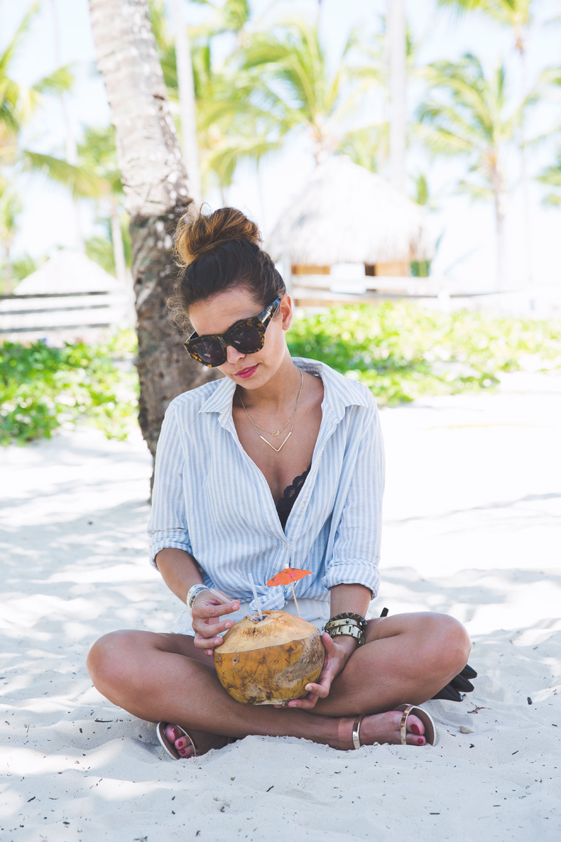 Summer-Punta_Cana-Coconut-Paradise-Summer_Outfit-Street_Style-Karen_Walker-9