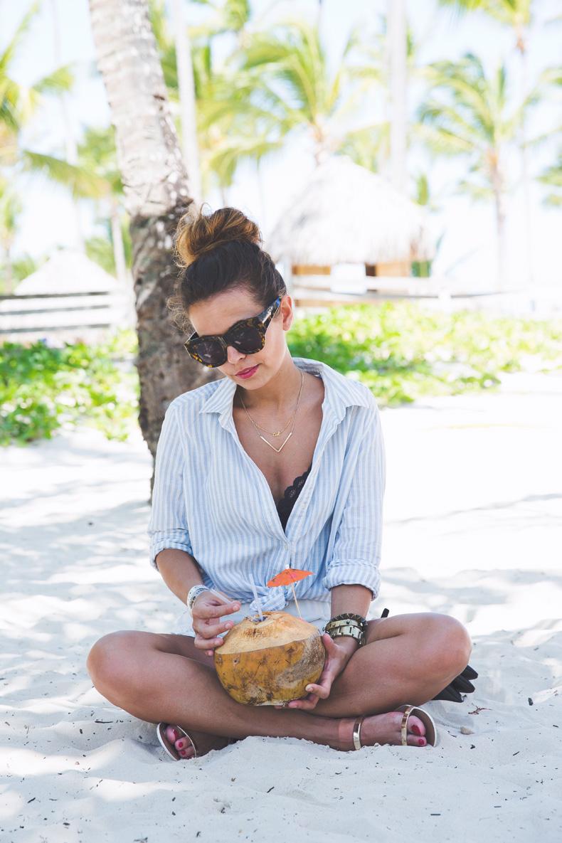 Summer-Punta_Cana-Coconut-Paradise-Summer_Outfit-Street_Style-Karen_Walker-9