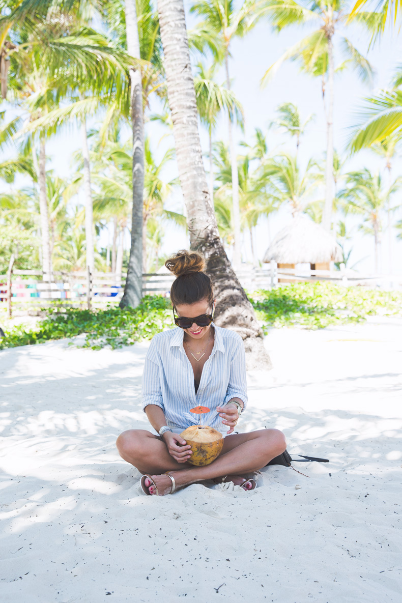 Summer-Punta_Cana-Coconut-Paradise-Summer_Outfit-Street_Style-Karen_Walker-3