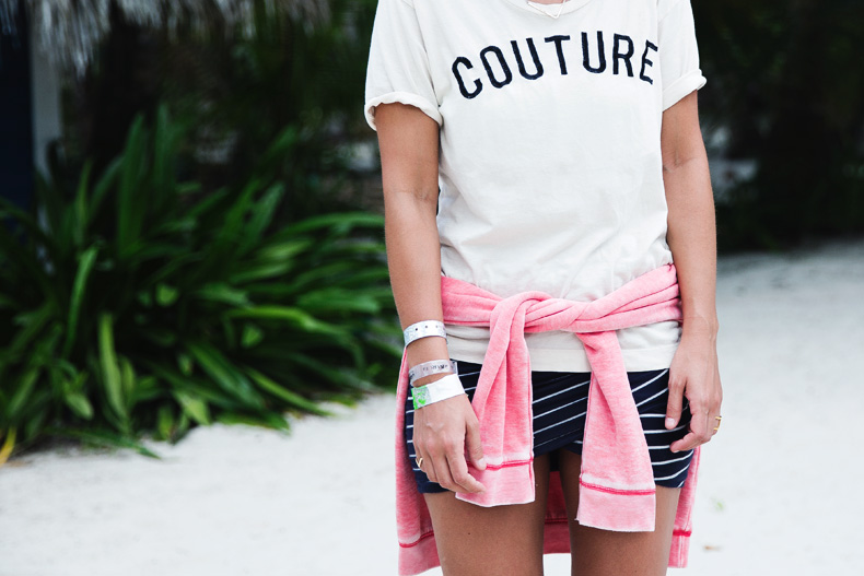 Stripped_Skirt-Couture_Top-Outfit-Converse-street_Style-10