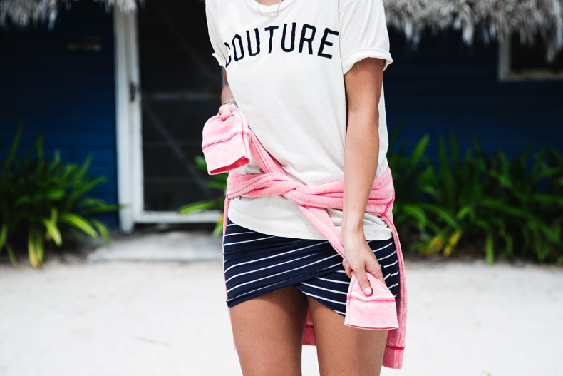 Stripped_Skirt-Couture_Top-Outfit-Converse-street_Style-4