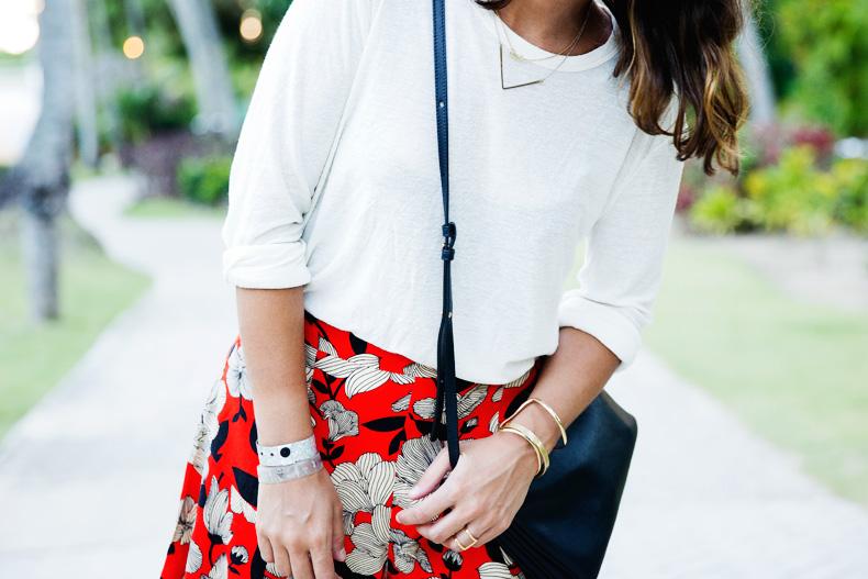 Floral_Short-Asos-Denim_Jacket-Sandals-Outfit-Street_Style-Karen_Walker-35