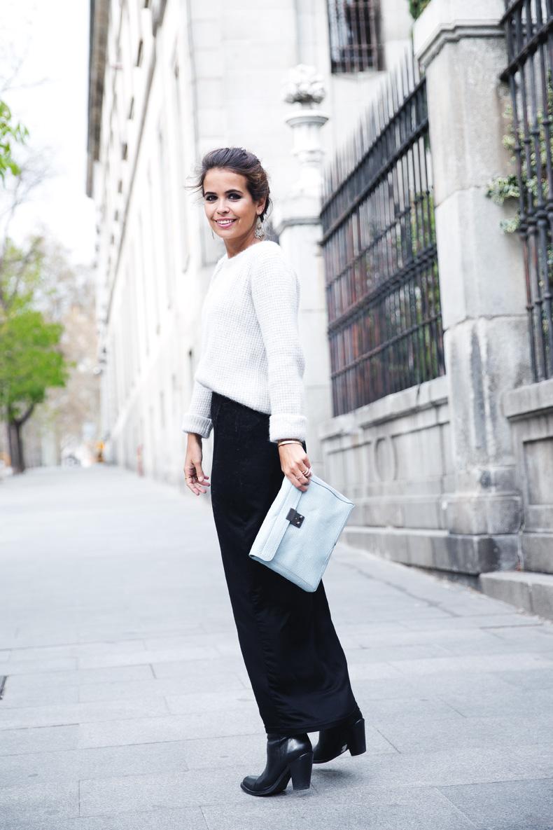 Light_Blue_Clutch-Long_Skirt-Biker_Jacket-Pastel_Trend-Braid-Street_Style-Outfit-24