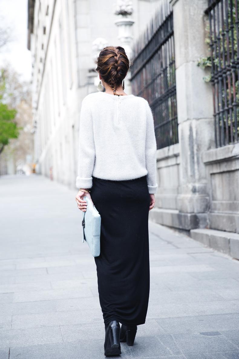 Light_Blue_Clutch-Long_Skirt-Biker_Jacket-Pastel_Trend-Braid-Street_Style-Outfit-21