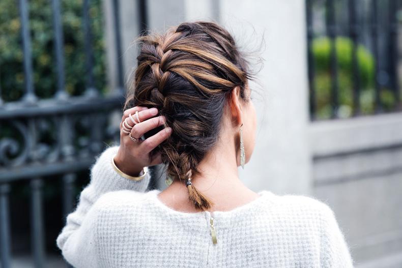 Light_Blue_Clutch-Long_Skirt-Biker_Jacket-Pastel_Trend-Braid-Street_Style-Outfit-44