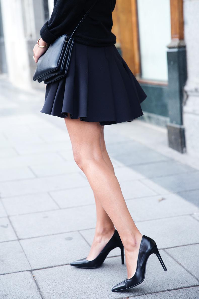 Neoprene_Skirt-Trench-Parka-Black_Outfit-Veet_Femme_Fatale-Brand_Ambassador-Outfit-Street_Style-43