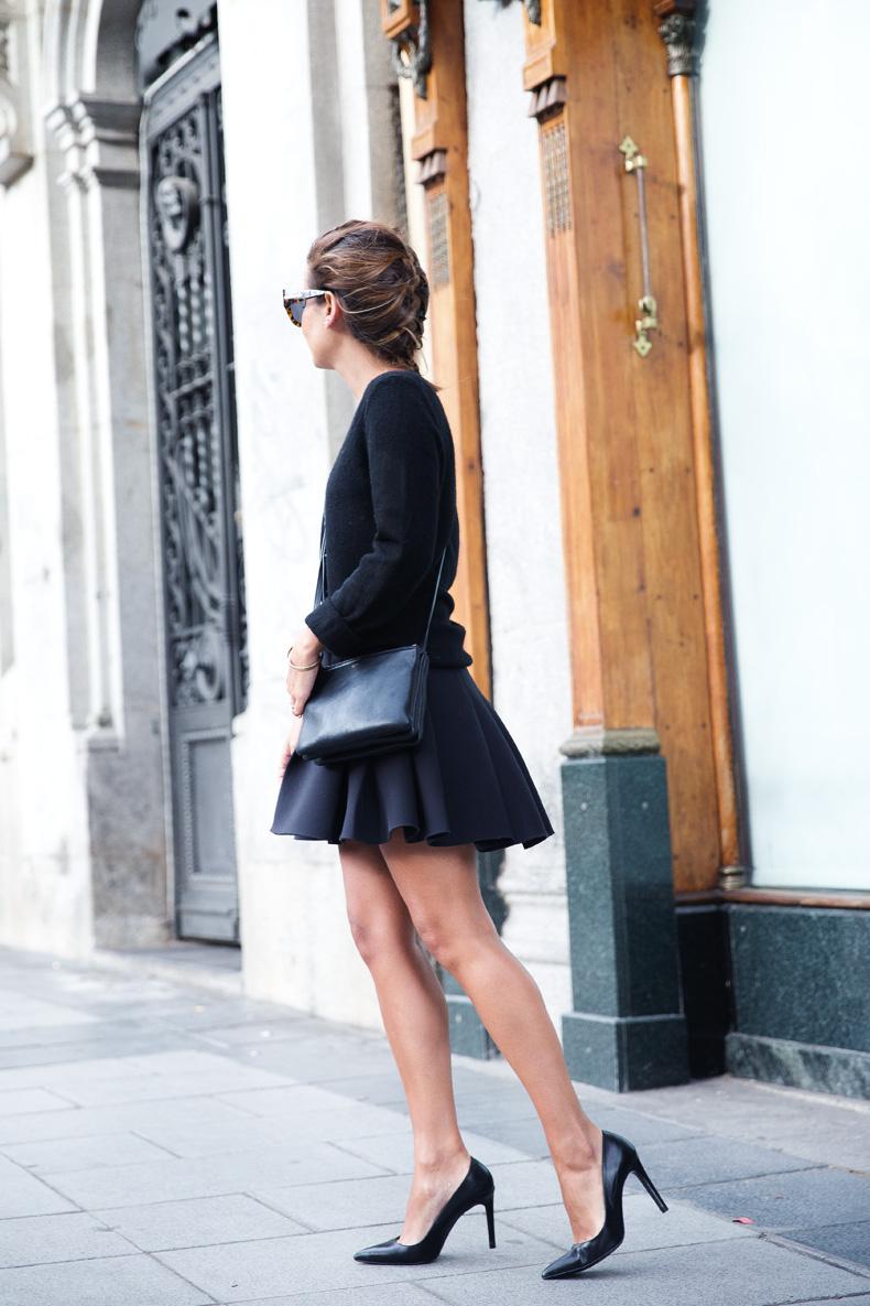 Neoprene_Skirt-Trench-Parka-Black_Outfit-Veet_Femme_Fatale-Brand_Ambassador-Outfit-Street_Style-35