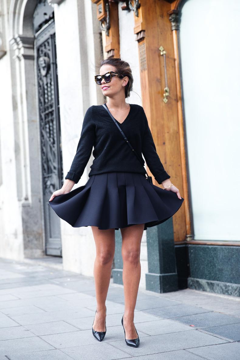 Neoprene_Skirt-Trench-Parka-Black_Outfit-Veet_Femme_Fatale-Brand_Ambassador-Outfit-Street_Style-36