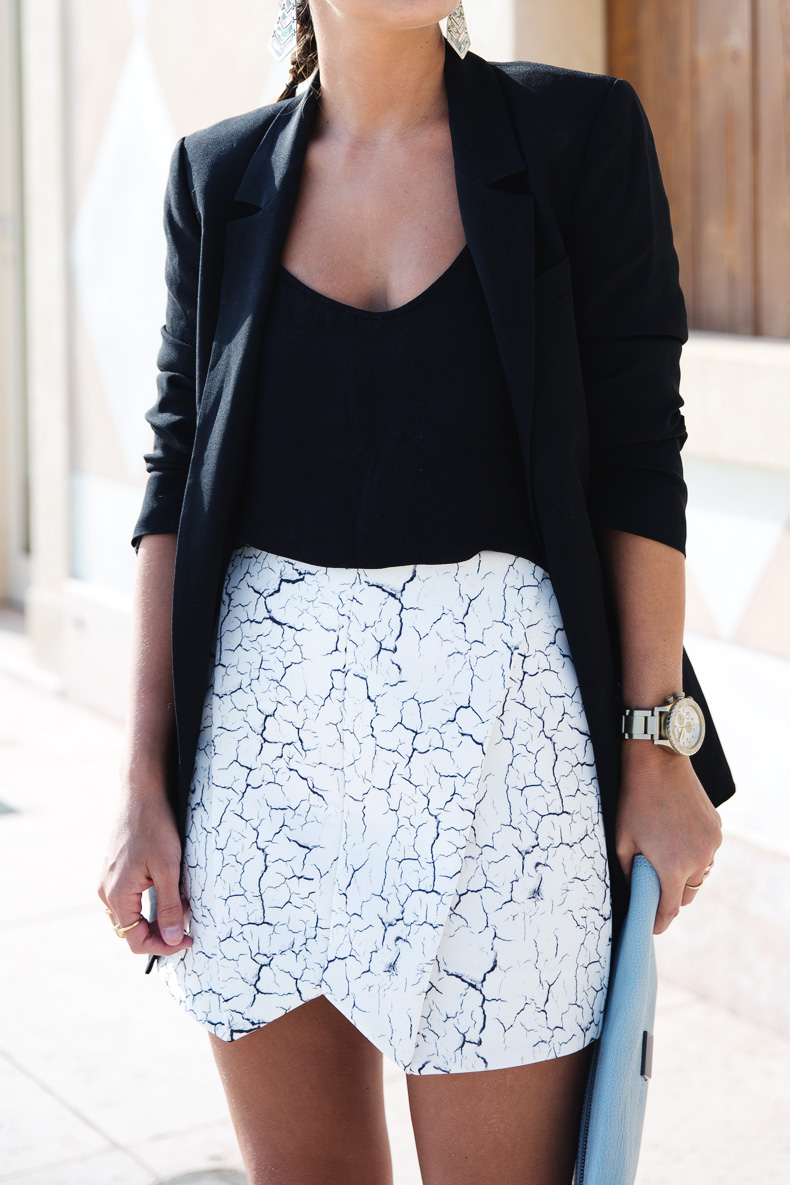 Cracked_Skirt-Girissima-Calzedonia_Show-Light_blue_Clutch-Phillip_Lim-Street_Style-Outfit-1