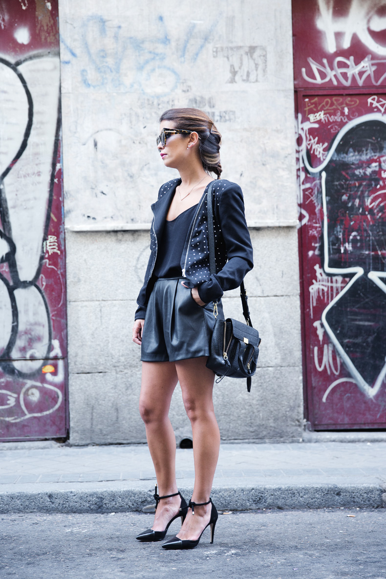 Black_Outfit-Studded_Jacket-Leather-Purificacion_Garcia_Shoes-Style-Street_Style-Collage_Vintage-7