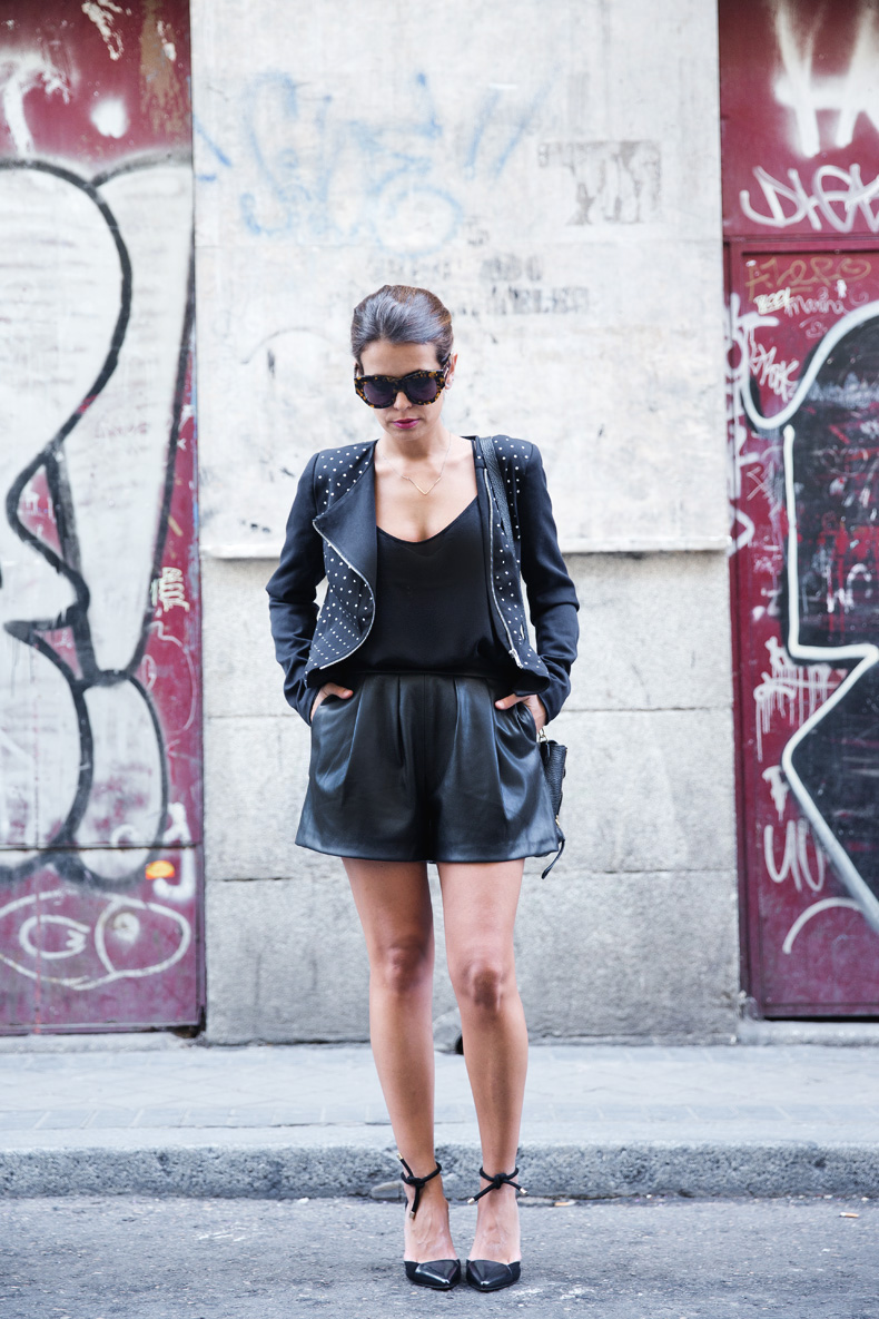 Black_Outfit-Studded_Jacket-Leather-Purificacion_Garcia_Shoes-Style-Street_Style-Collage_Vintage-8