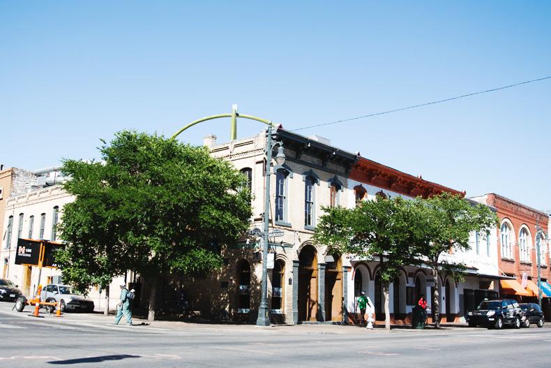 Austin-Buylevard-Beaded_Bag-Anthropology-Road_Trip_Texas-45