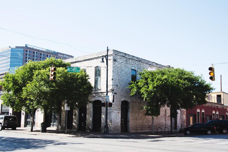 Austin-Buylevard-Beaded_Bag-Anthropology-Road_Trip_Texas-47