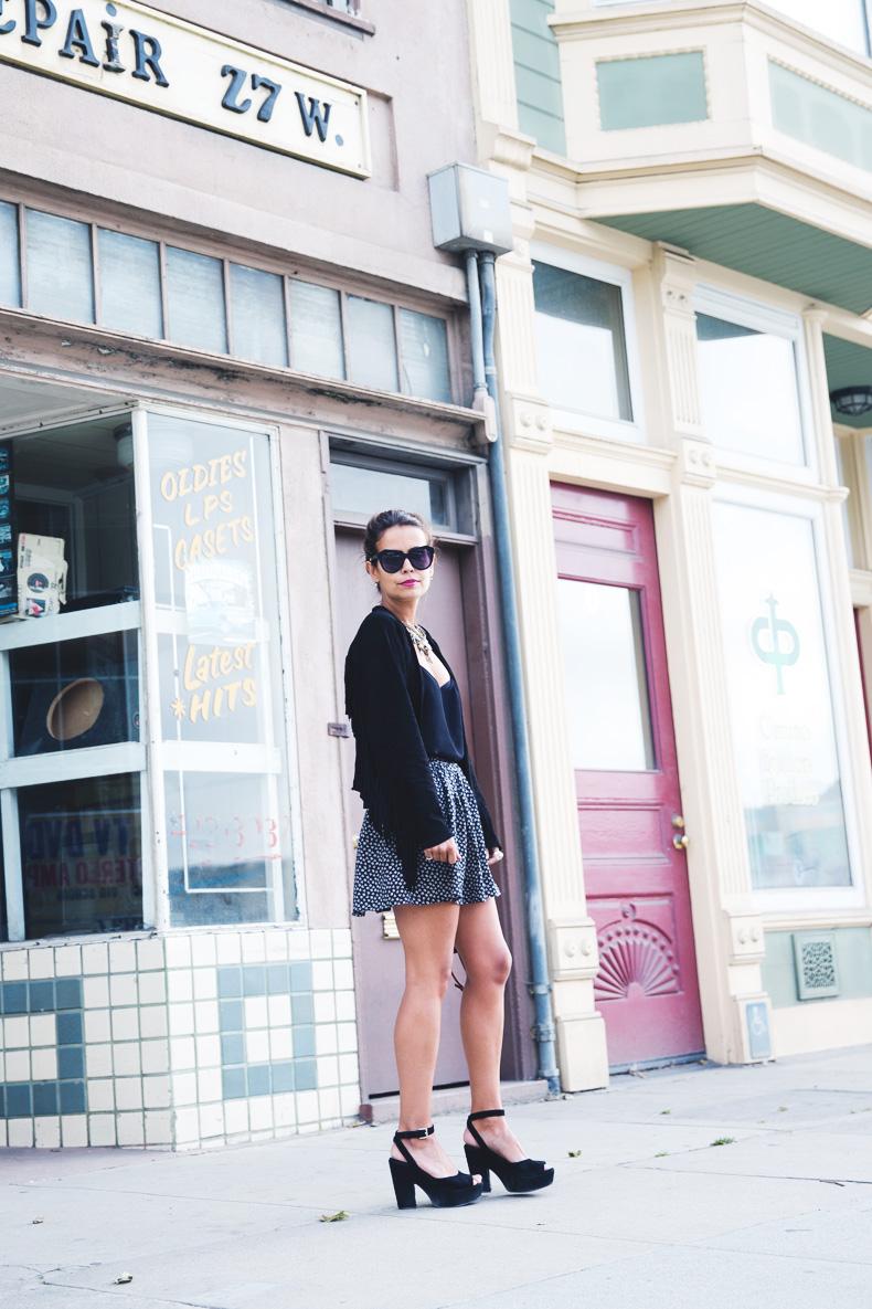 San_Francisco-Road_Trip_California-Fringe_Jacket-Suede-Floral_Skirt-outfit-3