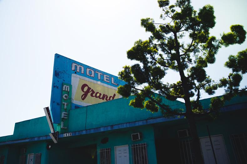 Venice_Beach-California-Road_Trip-Open_Back_Dress-Brandy_Melville-Street_Style-67
