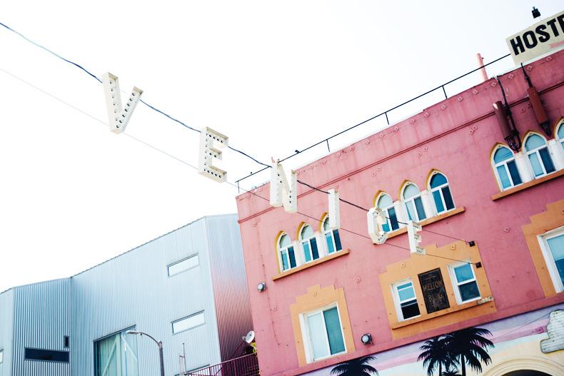 Venice_Beach-California-Road_Trip-Open_Back_Dress-Brandy_Melville-Street_Style-30