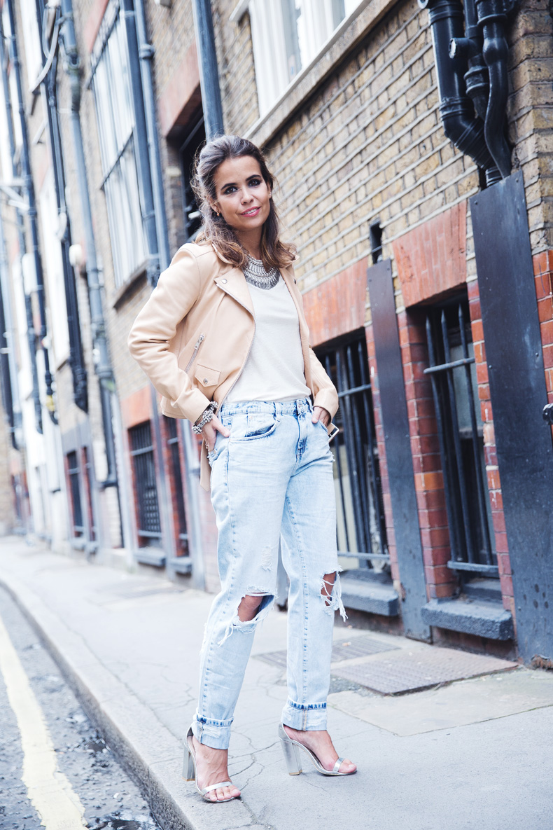 Biker_Jacket-Sandro_Paris-Ripped_Jeans-London-Travels-Outfit-19