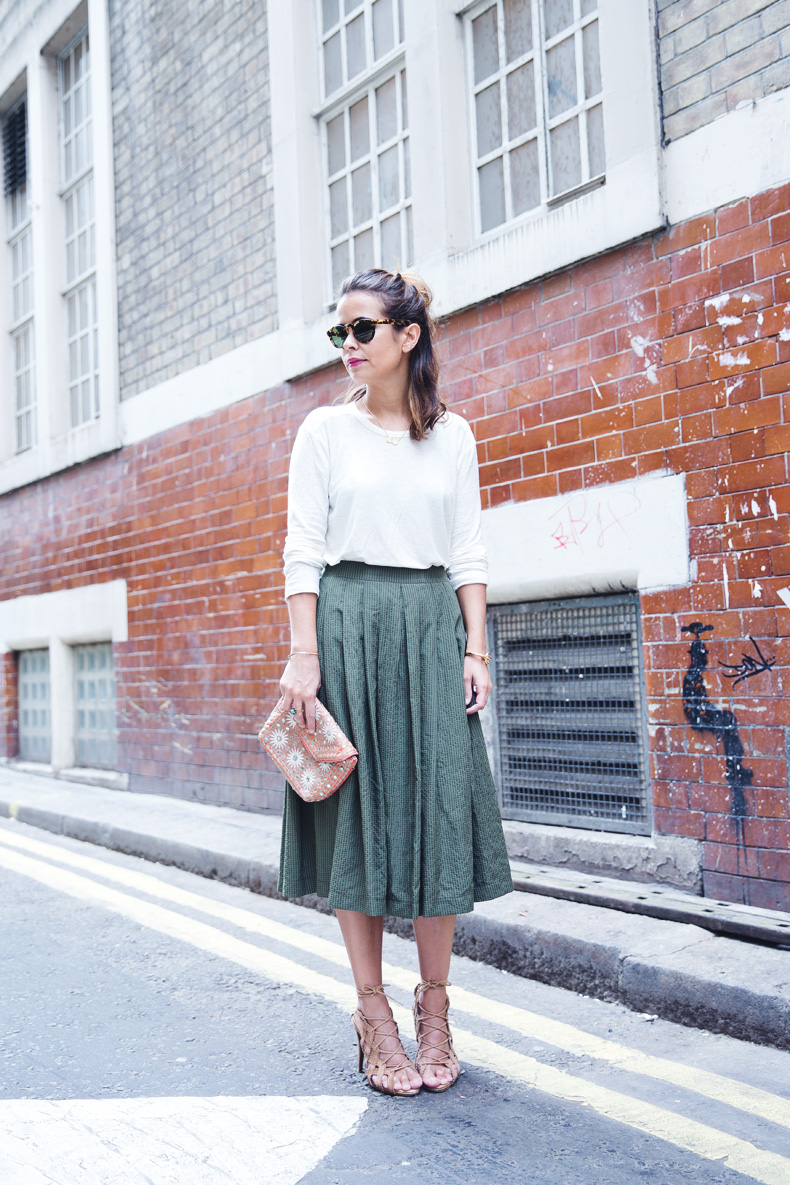 Midi_Skirts-Lace_Up_Sandals-Antik_Batik_Clutch-Outfit-London-4