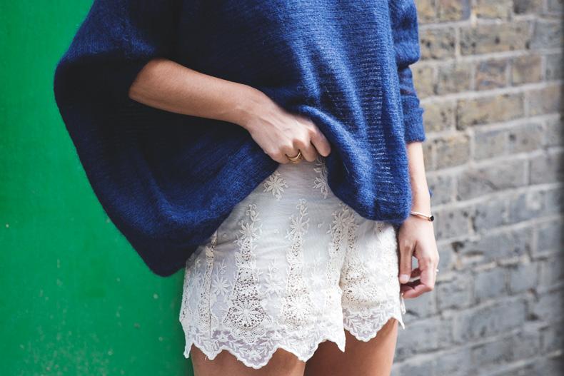 Lace_Shorts-Lace_Up_Sandals-Blue_Jumper-Outfit-15