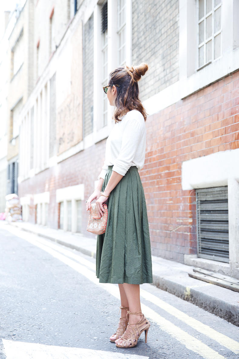 Midi_Skirts-Lace_Up_Sandals-Antik_Batik_Clutch-Outfit-London-100