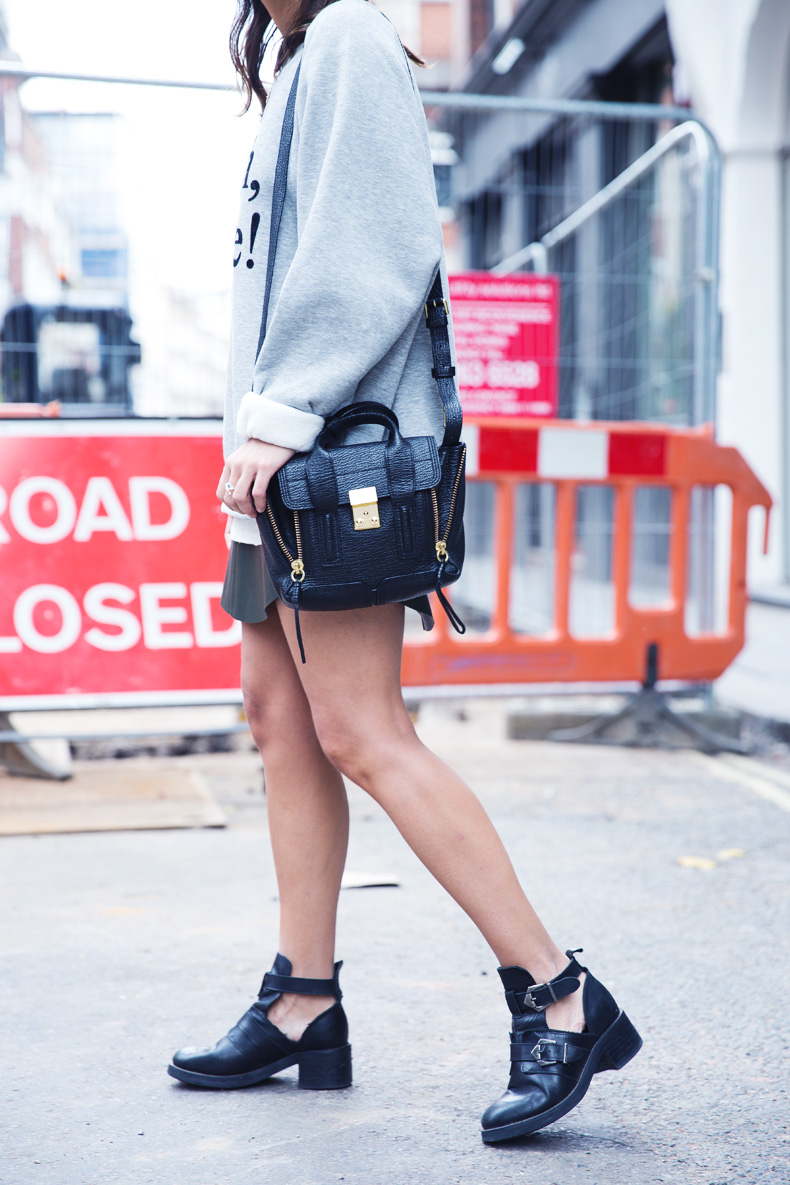 Regent_Tweet_2014-London-Ashish_for_Topshop-Sweatshirt-Leather_Skirt-Outfit-Street_Style-12
