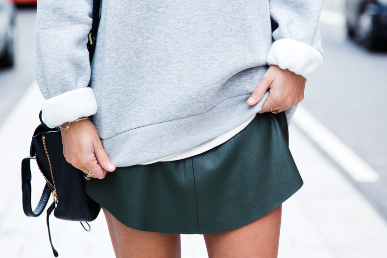 Regent_Tweet_2014-London-Ashish_for_Topshop-Sweatshirt-Leather_Skirt-Outfit-Street_Style-14