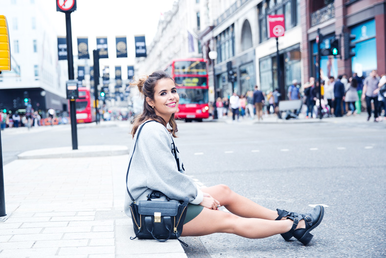 Regent_Tweet_2014-London-Ashish_for_Topshop-Sweatshirt-Leather_Skirt-Outfit-Street_Style-18