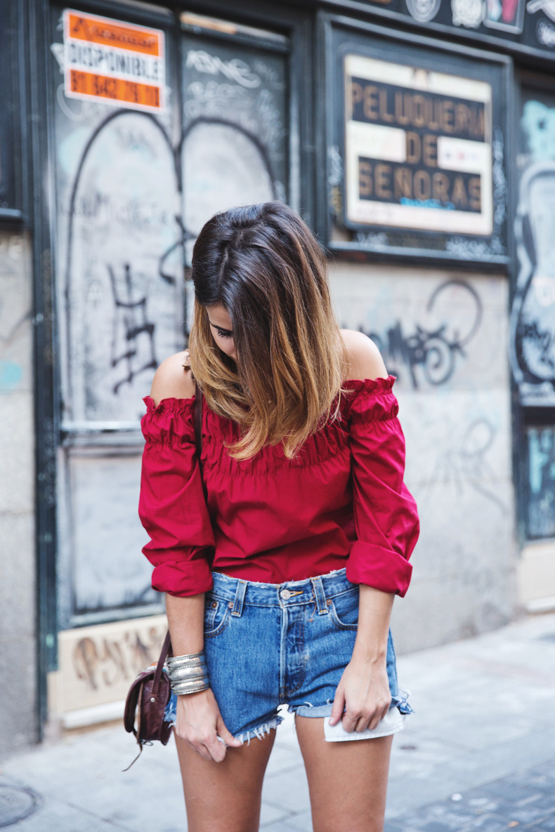 RED-Denim-Levis-Outfit-Street_Style-Dove-11