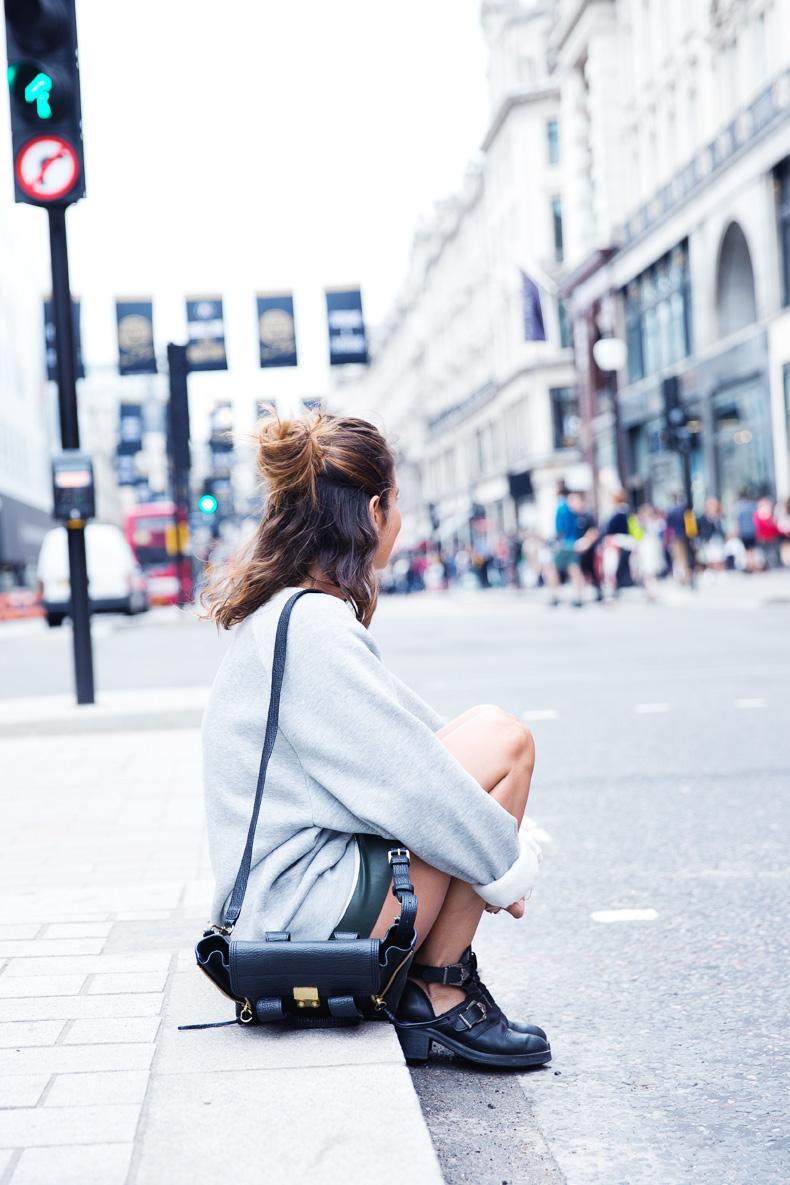 Regent_Tweet_2014-London-Ashish_for_Topshop-Sweatshirt-Leather_Skirt-Outfit-Street_Style-9