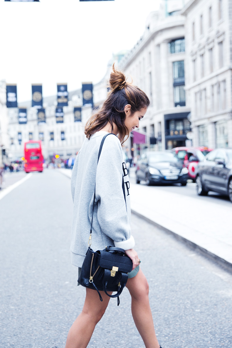 Regent_Tweet_2014-London-Ashish_for_Topshop-Sweatshirt-Leather_Skirt-Outfit-Street_Style-8