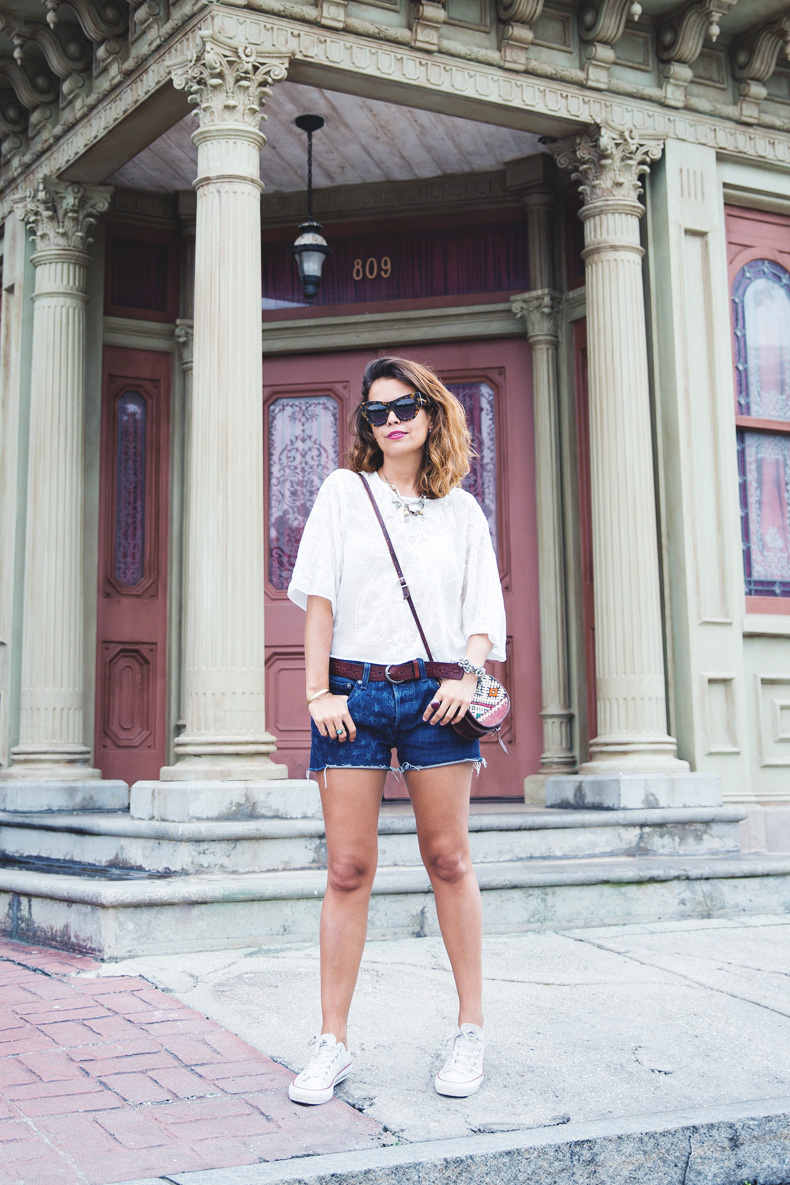 Orlando-Universal_Studios-Levis-Shorts-Converse-Road_Trip-Outfit-Street_Style-57