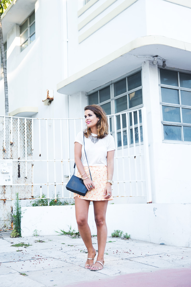 Miami-Urban_Outfitters-Daisy_Print-Skirt-Vintage-4