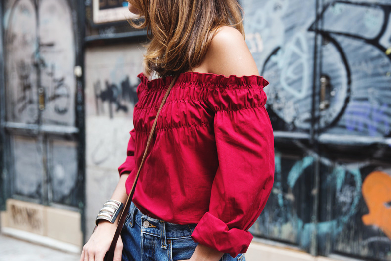 RED-Denim-Levis-Outfit-Street_Style-Dove-41