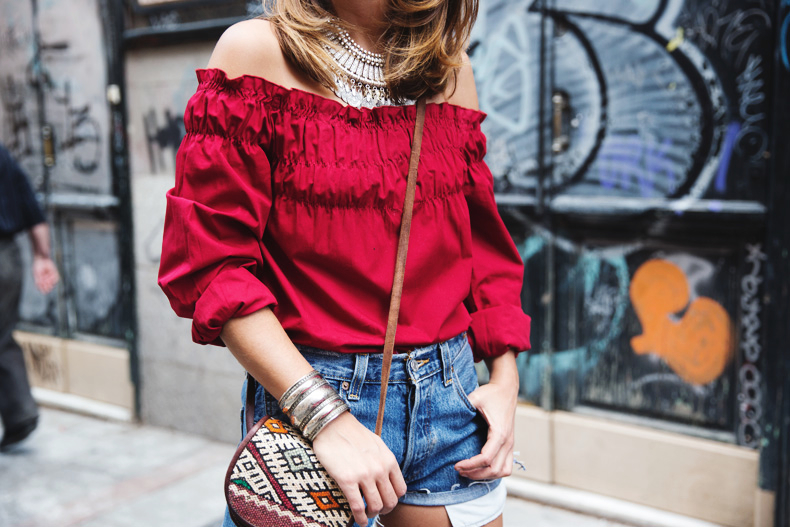 RED-Denim-Levis-Outfit-Street_Style-Dove-39